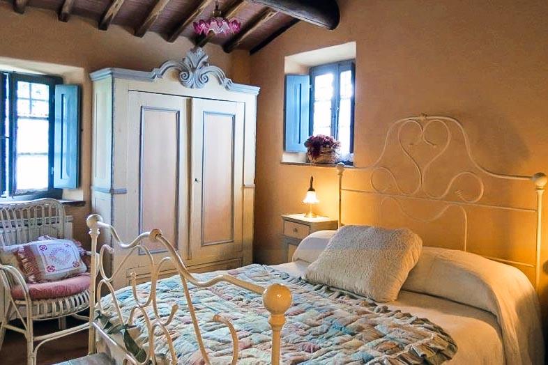 Piccola Villa double bedroom