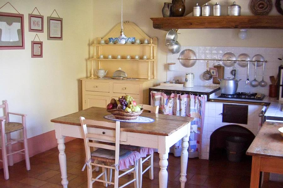 Piccola Villa kitchen