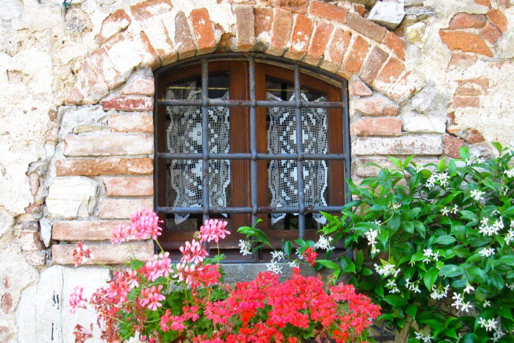 Tuscany hamlet window