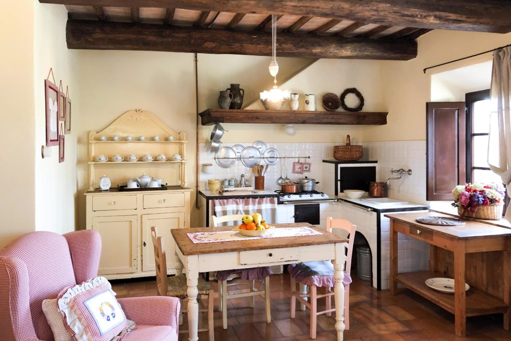 Villa Martina kitchen - Chianti Siena Tuscany villas