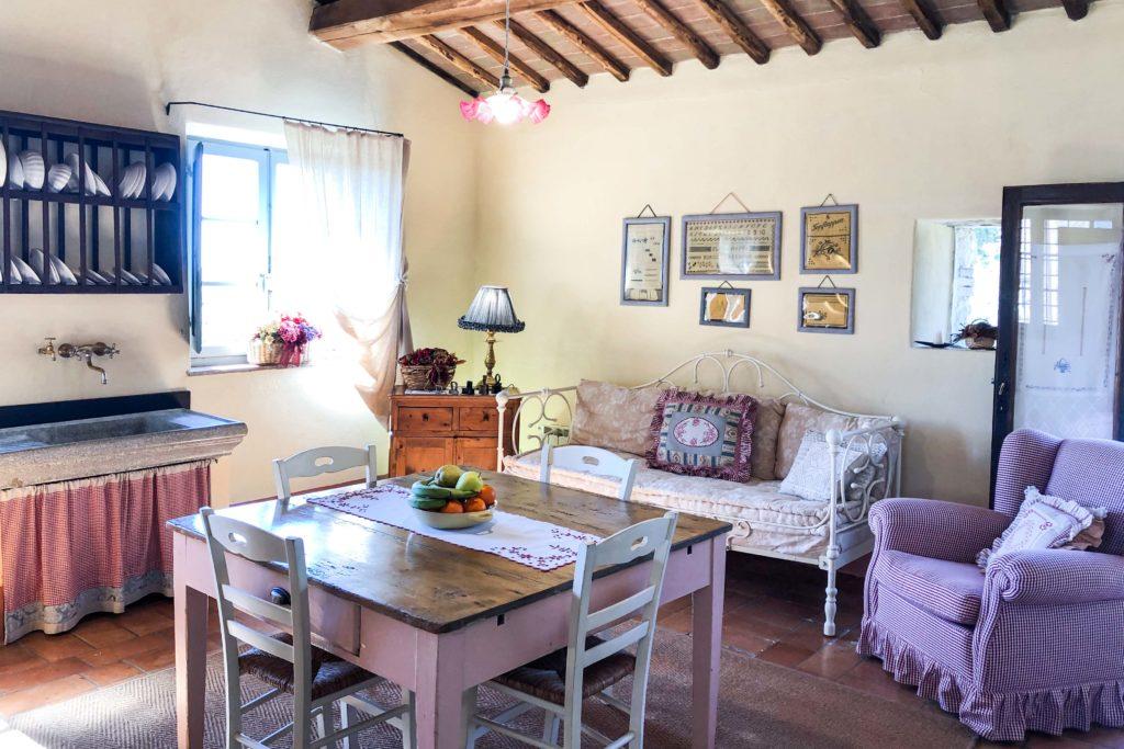 Piccola Villa livingroom - Chianti Siena Tuscany villas apartments