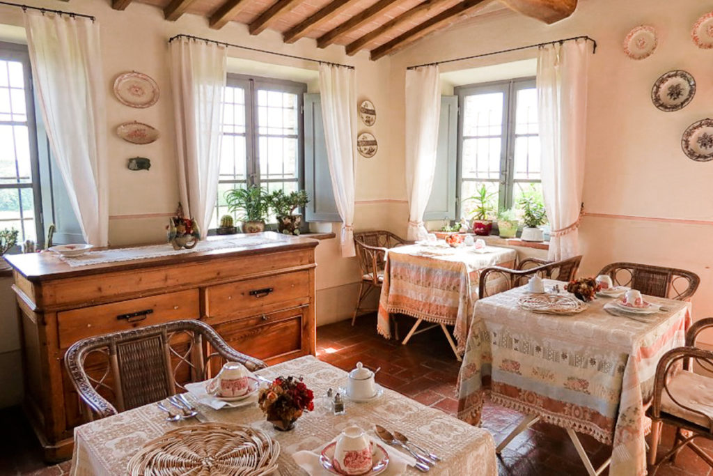 Breakfast room - Bed and breakfast in Chianti Siena Tuscany
