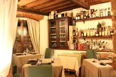 Le Logge del Vignola - best restaurants in Chianti Siena Tuscany