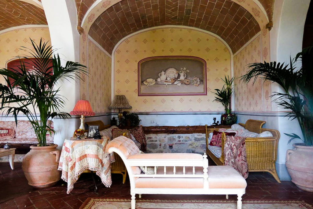 Borgo Argenina living room