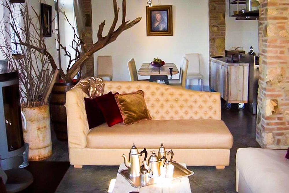 Villa Oliviera sofa