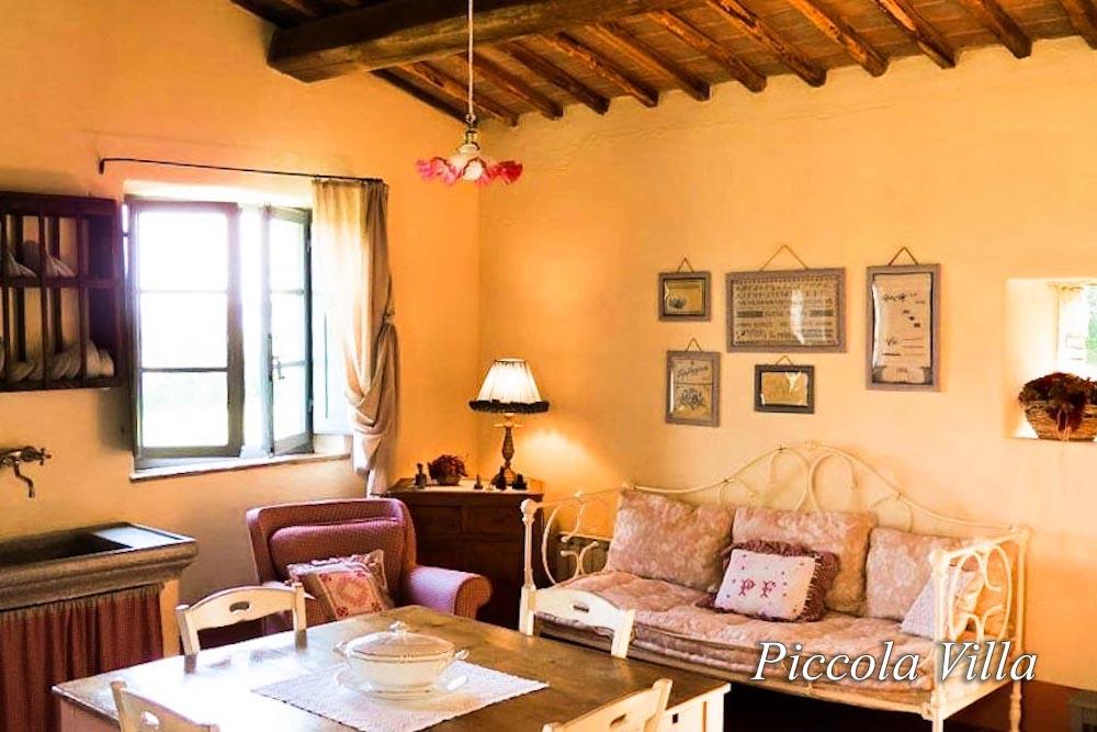 sitting room Piccola Villa - Chianti Siena Tuscany villas apartments