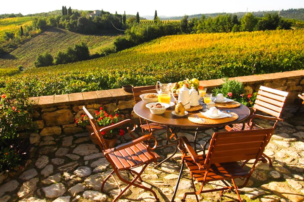 Breakfast on Borgo Argenina terrace - Bed and breakfast in Chianti Siena Tuscany