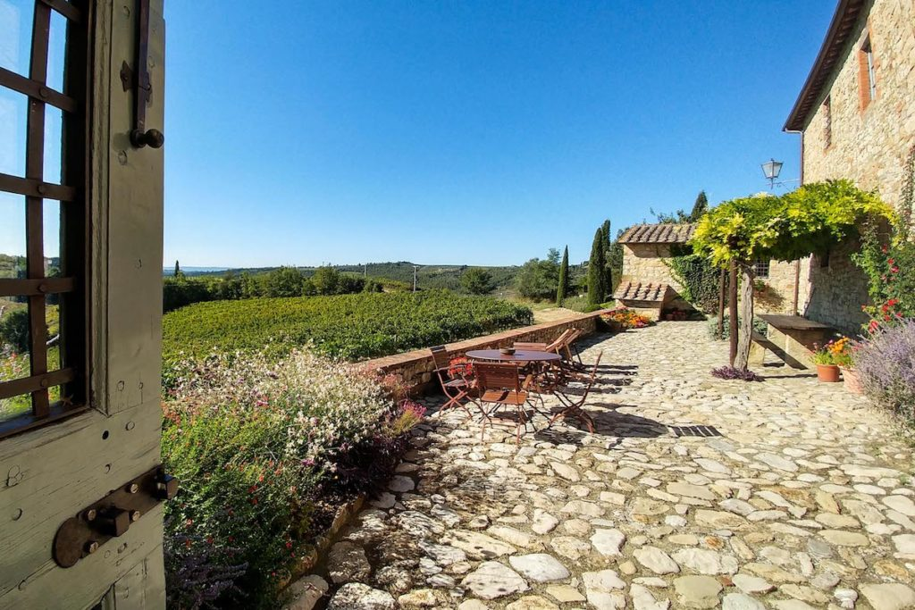 Terrace on Chianti vineyards - bed and breakfast in Chianti Siena Tuscany