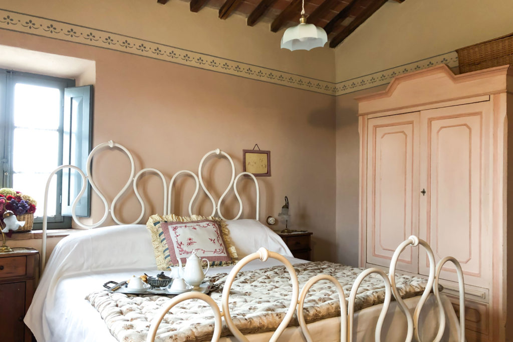 Room Suite Gardenia - bed and breakfast in Chianti Siena Tuscany