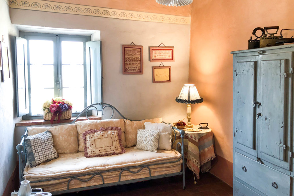 Suite Gardenia inside - bed and breakfast in Chianti Siena Tuscany