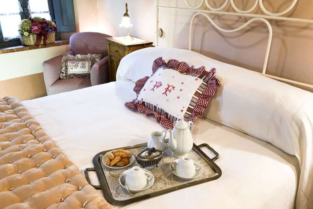 Suite Gaura bedroom - bed and breakfast in Chianti Siena Tuscany