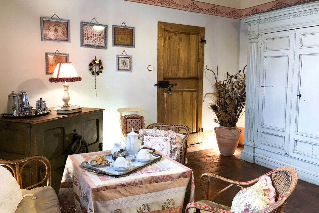 Double Viola room - bed and breakfast in Chianti Siena Tuscany