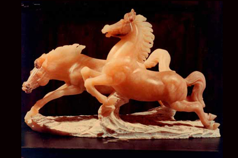 alabaster volterra horses agata