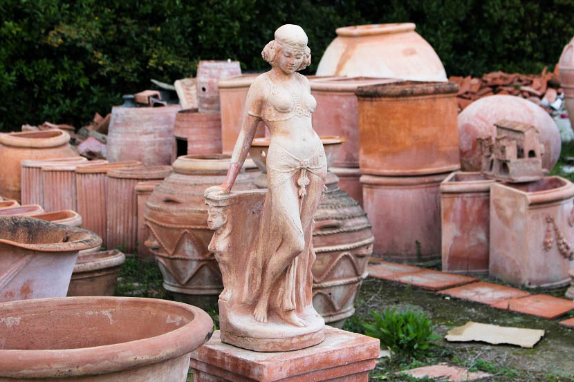 Terracotta woman - Things to do in Chianti Siena Tuscany