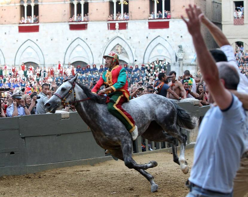 Elena Nappa & Rick Steves at the Siena Palio