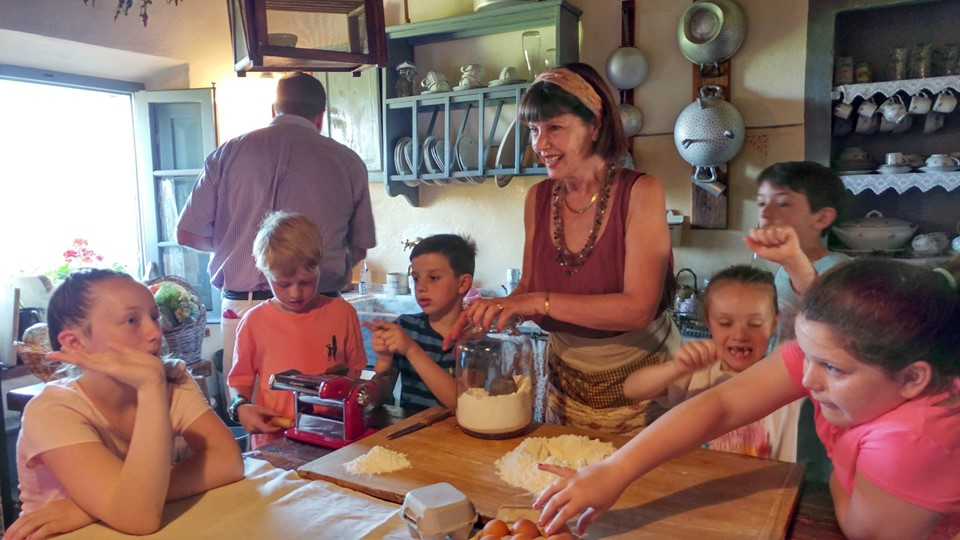 Borgo Argenina : Tuscany Cooking lessons with kids